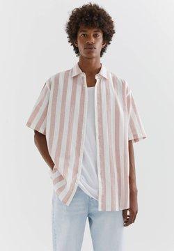 PULL&BEAR - MIT STREIFEN - Hemd - pink