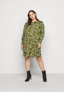 New Look Curves - AMELIE FLORAL SMOCK - Freizeitkleid - green