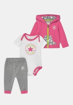 Converse - HOODIE SET - Geschenk zur Geburt - pink