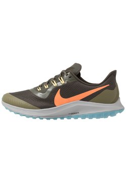 Nike Performance - AIR ZOOM PEGASUS 36  - Laufschuh Trail - sequoia/orange trance/medium olive