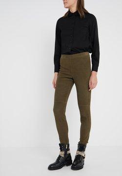 Steffen Schraut - LUXURY PANTS - Pantalon en cuir - urban green