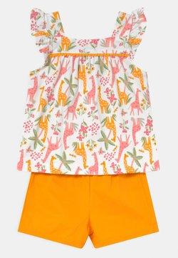 Carter's - 2-Piece Animal Jersey Tee & Short Set - Shorts - multi-coloured/yellow