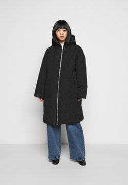 Missguided Petite - QUILTED LONGLINE COAT - Winter coat - black
