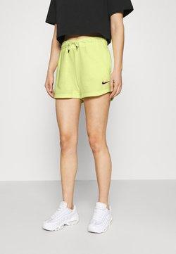 Nike Sportswear - Shorts - zitron