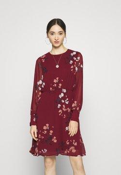 Vero Moda - VMSMILLA DRESS  - Vapaa-ajan mekko - cabernet/hallie