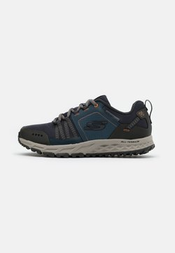 Skechers - ESCAPE PLAN - Sneaker low - navy/orange