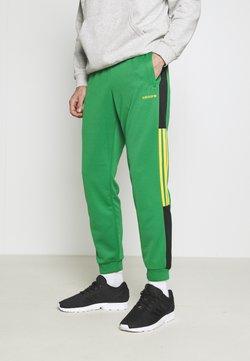 adidas Originals - CLASSICS  - Jogginghose - green/black