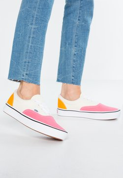 Vans - COMFYCUSH ERA - Trainers - strawberry pink/zinnia/true white