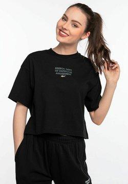 Reebok - Z KRÓTKIM RĘKAWEM CL CAMP GRAPHIC  - T-shirt z nadrukiem - black