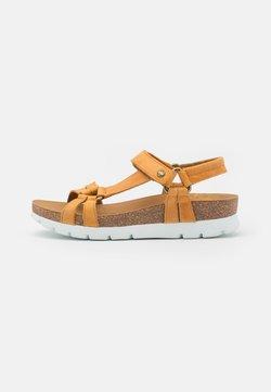 Panama Jack - SALLY BASICS - Korkeakorkoiset sandaalit - light brown