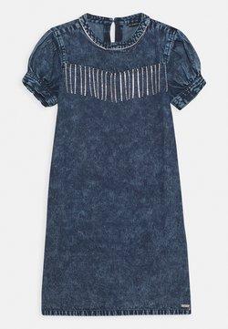 Guess - JUNIOR DRESS  - Jeanskleid - cloudy blue