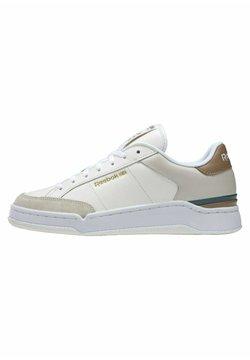 Reebok Classic - AD COURT - Sneakersy niskie - white