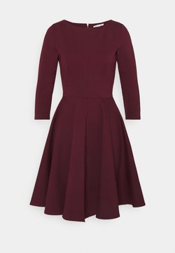 Closet - 3/4 SLEEEVE SKATER DRESS - Vestido ligero - maroon