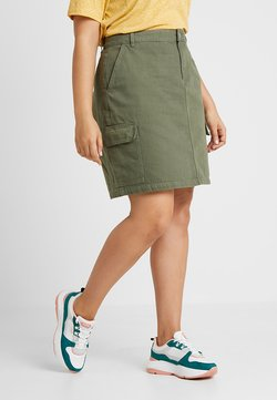 New Look Curves - CARGO POCKET SKIRT - A-linjainen hame - green
