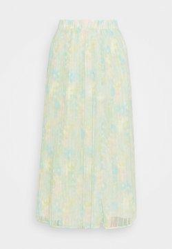 Selected Femme Tall - SLFGEORGIA MAXI PLISSE SKIRT - Faltenrock - young wheat