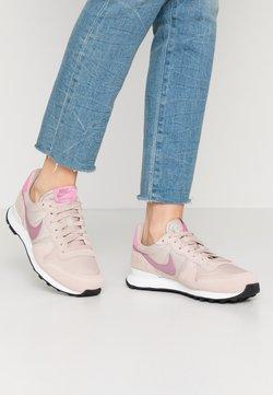 Nike Sportswear - INTERNATIONALIST - Sneaker low - fossil stone/plum dust/magic flamingo/summit white