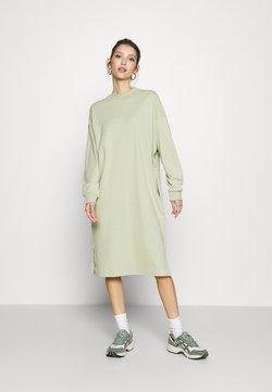 Monki - MINDY DRESS - Jerseykleid - green dusty solid