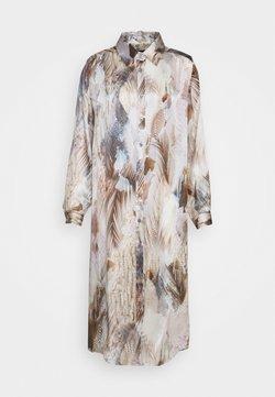 Sand Copenhagen - ASIA DRESS - Blusenkleid - beige