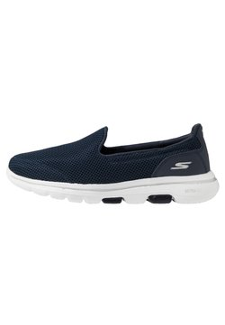 Skechers Performance - GO WALK 5 - Zapatillas para caminar - navy/white