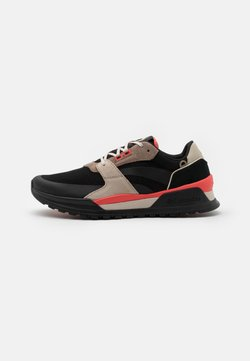 Columbia - WILDONE ANTHEM - Hikingschuh - black/red coral