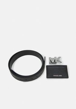 Michael Kors - CARD CASE BELT BOX SET - Vyö - black