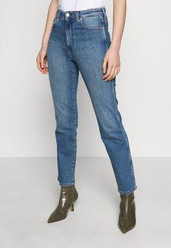 Wrangler - THE RETRO - Jeans a sigaretta - mid blue