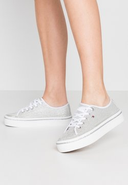 Tommy Hilfiger - DRESSY GLITTER FLATFORM  - Sneakers laag - silver