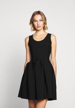 Milly - ENGINEERED PLEATS DRESS - Vestito elegante - black