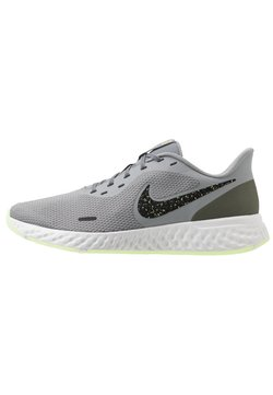 Nike Performance - REVOLUTION 5 SPECIAL EDITION - Laufschuh Neutral - particle grey/black/medium olive