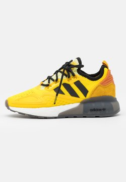 adidas Originals - NINJA ZX 2K BOOST SHOES UNISEX - Sneaker low - yellow/legend gold/tech copper