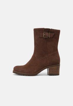 Bullboxer - Korte laarzen - brown