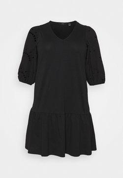 Vero Moda Curve - VMALLARIAS DRESS  - Freizeitkleid - black