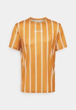 Redefined Rebel - JETT TEE UNISEX - T-Shirt print - inca gold