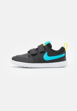 Nike Performance - PICO 5 UNISEX - Obuwie treningowe - black/chlorine blue/high voltage/white