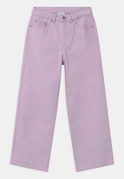 Grunt - WIDE LEG  - Jeans Relaxed Fit - light purple
