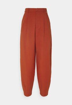 Rich & Royal - PANTS - Spodnie materiałowe - rusty red