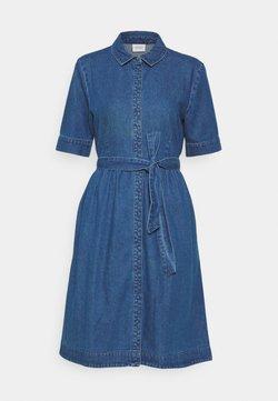 JDY - JDYSANDRA LIFE SHIRT DRESS - Dongerikjole - medium blue denim