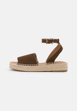 Esprit - CLARA  - Sandaalit nilkkaremmillä - brown