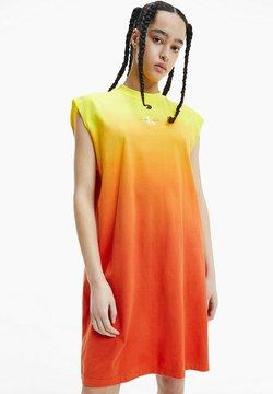 Calvin Klein Jeans - MUSCLE  - Jerseykleid - gradient bright sunshine