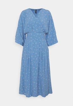 YAS - YASESLA MIDI DRESS - Vapaa-ajan mekko - silver lake blue/esla