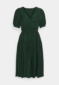 Selected Femme Petite - SLFGITTA MIDI DRESS EX PETITE - Vestido informal - darkest spruce