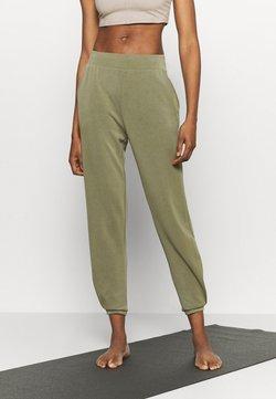 Even&Odd active - Pantalones deportivos - olive