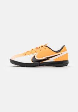 Nike Performance - MERCURIAL JR VAPOR 13 ACADEMY IC UNISEX - Zaalvoetbalschoenen - laser orange/black/white