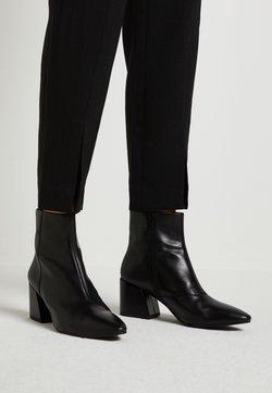 Vagabond - OLIVIA - Stiefelette - black
