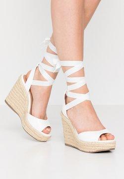 New Look - PADY TIE UP WEDGE - Korolliset sandaalit - white