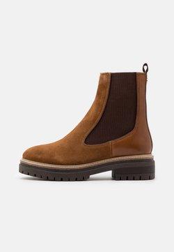 Copenhagen Shoes - FALL  - Platåstövletter - cognac