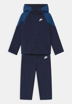 Nike Sportswear - MIXED MATERIAL SET - Survêtement - midnight navy