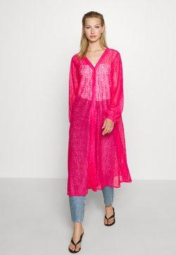 Monki - MONA DRESS - Blusenkleid - pink