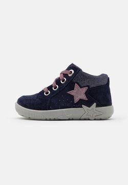 Superfit - STARLIGHT - Baby shoes - blau/lila