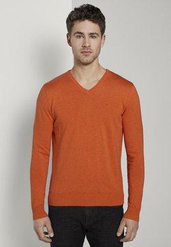 TOM TAILOR - PULLOVER & STRICKJACKEN BASIC STRICKPULLOVER MIT V-AUSSCHNITT - Maglione - bright orange melange